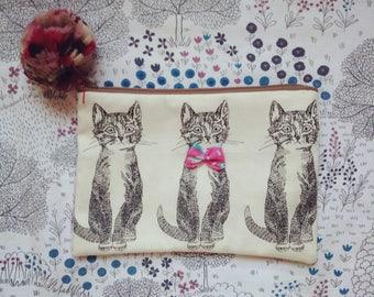 Cat pouch