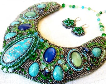 Statement Necklace in shades of green, Embroidery necklace, Bead Jewellery, Handmade jewellery, Handmade by Gold Gallery, Bridal Necklace