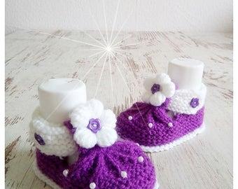 Knitted baby shoes baby shoes baby shoes purple Eggplant White hand made