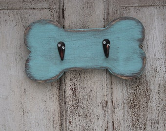 Dog leash holder.  Handmade, distressed,  Bone Shaped Leash And Collar Holder -  Wooden Leash Holder - Dog Leash Hook -  Leash Holder
