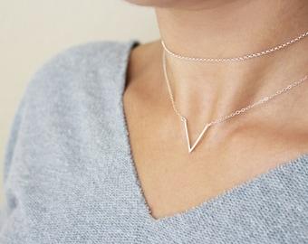 Delicate V Necklace / Dainty Minimal V Necklace / Simple Geometric Necklace