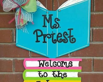 Books Door Hanger Teacher/Librarian