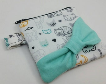 Kitty cat cash and change keeper,cat bow front zipper pouch,handmade zipper wallet,cat coin purse,bow front coin purse keychain,unique gift