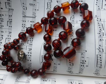 Vintage retro 1940s/50s faux amber coloured bakelite chunky beaded necklace