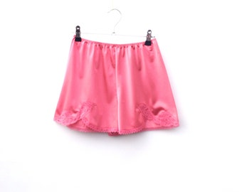 CORAL Bloomers by Charnos / Vintage Lingerie / Knickers / Panties / Glossy / Nylon / Lace