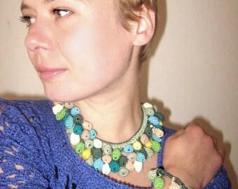 Set: necklace and bracelet