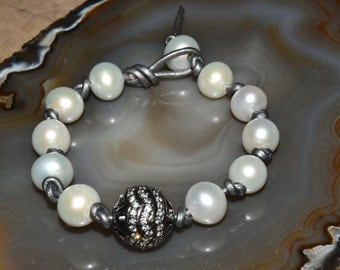 Natural Freashwater Pearl & White Topaz Sterling Beaded Leather Boho Bracelet