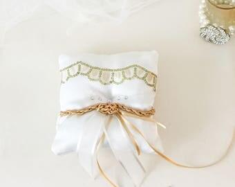 Ring bearers pillow, wedding ring pillow, tie the knot pillow, wedding shower, gift, pageboy pillow,