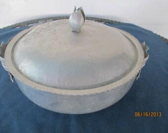 Vintage Rodney Kent Covered Bowl Hammered Aluminum Serving Bowl Casserole Dish
