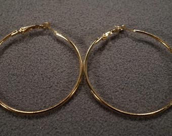 Vintage Art Deco Style Yellow Gold Tone Round Hoop Design Leverback Pierced Earrings Jewelry -K#13