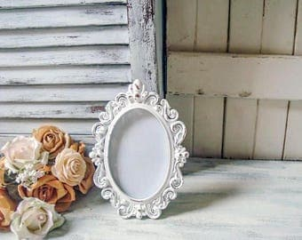 Shabby Chic White Oval Vintage Style 4 x 6 Frame with Glass Backing, Shabby Chic Rustic White Frame Wedding Frame Picture Frame Table Number