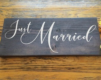 Just Married Sign-  wooden handpainted signs - Rustic Wedding Wood Sign - Bride Groom Custom Sign - Wedding Photo Prop- Engagement Sign