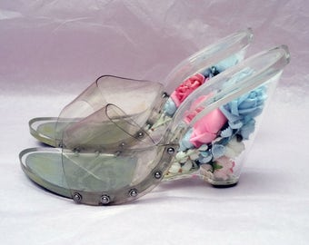 SIZE 4 Women's SHOES! Fantastic, Rare 1950's Clear Lucite Pink & Blue Floral Wedge Slides.