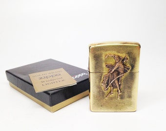 Working 1993 Brass Marlboro Country Store 1994 Zippo Longhorn Flip Top Lighter with Original Box and Instructions