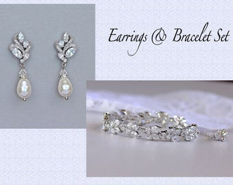 Bridal Jewelry Set, Ivory Pearl Jewelry Set, Crystal & Bracelet Set, Bridesmaids Jewelry Set,