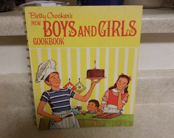 Vintage 1970 Betty Crocker's NEW Boys and Girls Cookbook