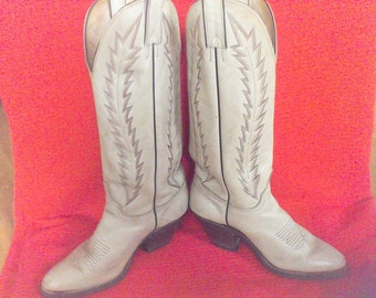 Women's cowboy boots size 7M, leather boots,western wear, bone color, red sitching