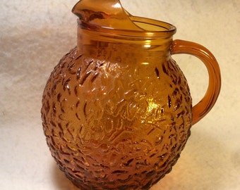 Amber glass bubbled glass large 2 quart pitcher. 1960's free ship to US.