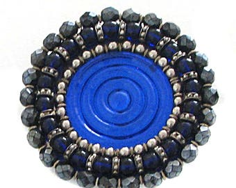 Important and beautiful round pin blue hard vintage
