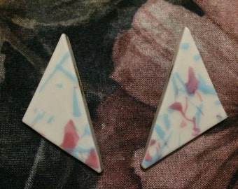 Vintage 1980s Glass Paint Splatter Triangle Clip On Earrings