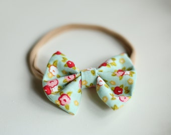 Small Cloth Bows