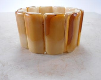Vintage Lucite Stretch Bracelet Honey Butterscotch Tones
