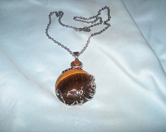 Costume Jewelry Stone Pendant Necklace, WAS  25.00 -  50% = 12.50