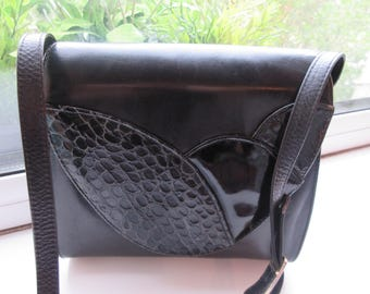 Vintage 1980's Black Leather Shoulder Handbag With Snakeskin Detail - Cute!!