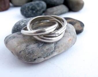 Interlocking Rings - Silver Band Ring - Vintage - Triple Band Ring