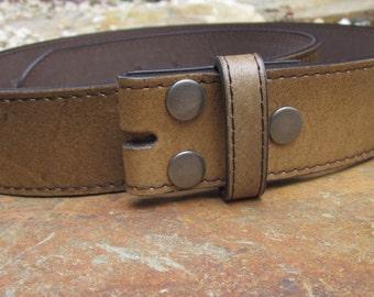 Size * medium 33-35 brown / tan distressed vintage leather belt strap