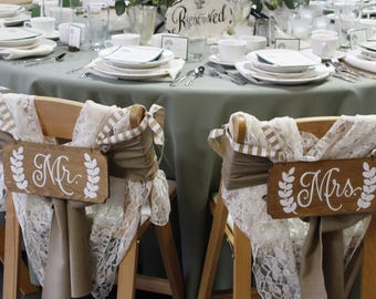 MR and MRS Signs-Mr and Mrs Chair Signs-Wedding Chair Signs-Wedding Chair Signs-Wedding Mr and Mrs Chair Signs-Wedding Bride and Groom Signs