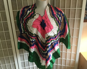 Vintage 1970s Scarf or Poncho