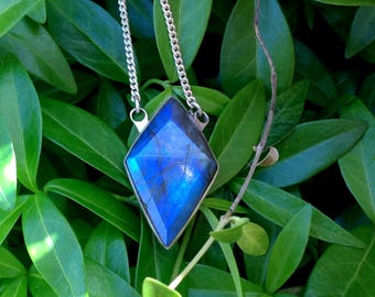 925 sterling Silver necklace with LABRADORITE Pendant