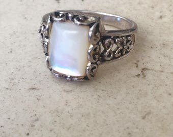 Gorgeous Vintage Sterling Silver with Mother of Pearl Ring.Size 8 ish.