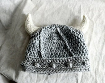 Viking hat, crochet viking hat for newborn to 12 months, wool grey horned hat,pagan inspired,hat with horns, photo prop, crochet baby hat