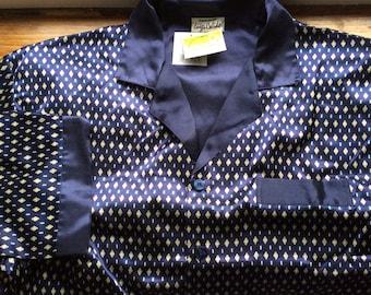 Vintage Deadstock pyjamas, satin pyjamas, chest 46 in 117 cm, navy satin.