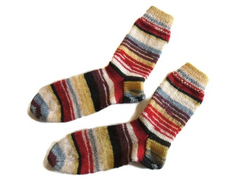 Soft and warm hand knitted womens mens unisex socks made of acrylic and wool yarm. Free shipping