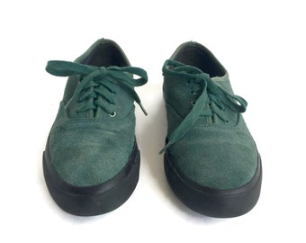 30% Flash Sale Vintage Green Suede Leather Lace up Low Sneakers//  Womens size 7.5