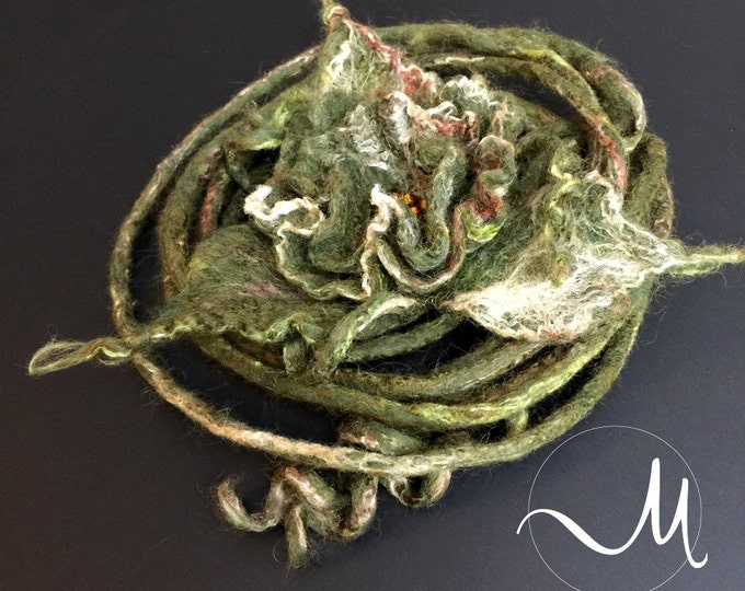 Dark green Felted Flower Pin Wool Brooch. Gift for her, Handmade, Women Jewelry Accessories, Wool Accessories, Handmade Unique Flower