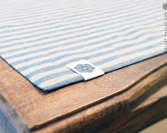 Linen vintage style dove blue placemats - Luxurious vintage style table mats- Set of 4 linen placemats