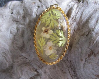 Acrylic Floral Pressed Flowers Pendant With Gold Tone Accents