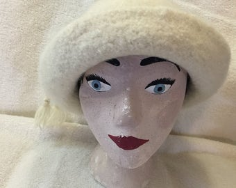 Cream bamboo & sheep wool felted hat with cord