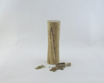 8pices and pepper mill in Spalted Maple, Elegant style with rod mecanisme / 7 1/2 in article no: 558