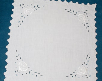Polish White Richelieu Traycloth, Doily, Vintage Dresser Scarf, cutwork embroidery - roses, Polish linen Wedding richelieu embroidery 80s