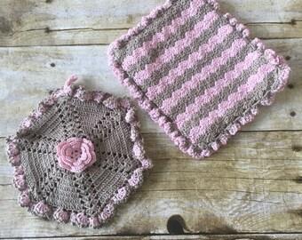HANDMADE 50's Inspired Crocheted Pot Holders - Kitsch - Pink and Brown - Crochet - Kitchen Decor