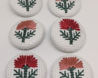 Cross stitched covered buttons/magnet/brooch - Red and Pink flowers