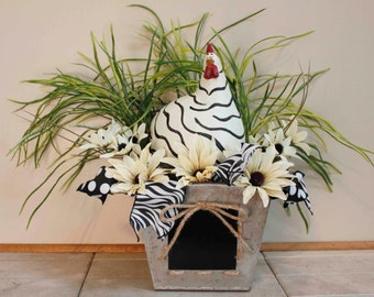 Mrs. Wavey Black White Chicken Wavey Eggs Nest Floral Arrangement Pams'deZines Floral (item 290)