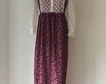 Vintage 1970s maroon dress with lace detail and collar
