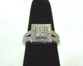 Amazing Womens Vintage Estate 10K White Gold & Diamond Ring 3.7g #E2940