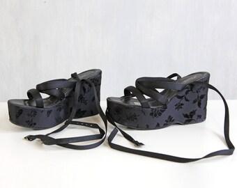 black platform shoes with floral velvet pattern / asian inspired lace up platform sandals / 80s 90s velveteen platform shoes